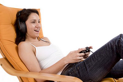 woman-playing-PS4-games
