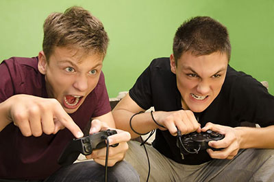 guys-playing-online-games
